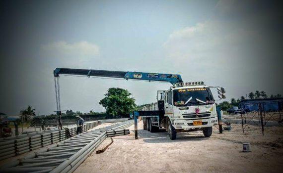 รถเฮี๊ยบกบินทร์บุรี บริการรถเฮี๊ยบ รถบรรทุกติดเครน 3 ตันถึง 10 ตัน มีทั้ง 6 ล้อและสิบล้อ (44)